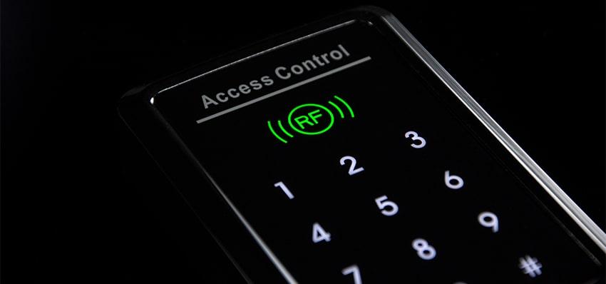 دستگاه کنترل تردد برای استفاده در چه مکان هایی ضروری است؟